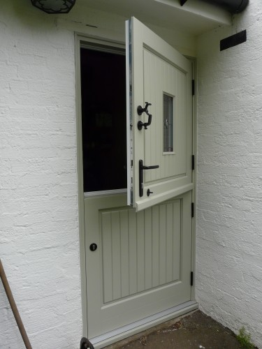 Essex-Herts-cottage-with-new-timber-doors-2-375x500_2